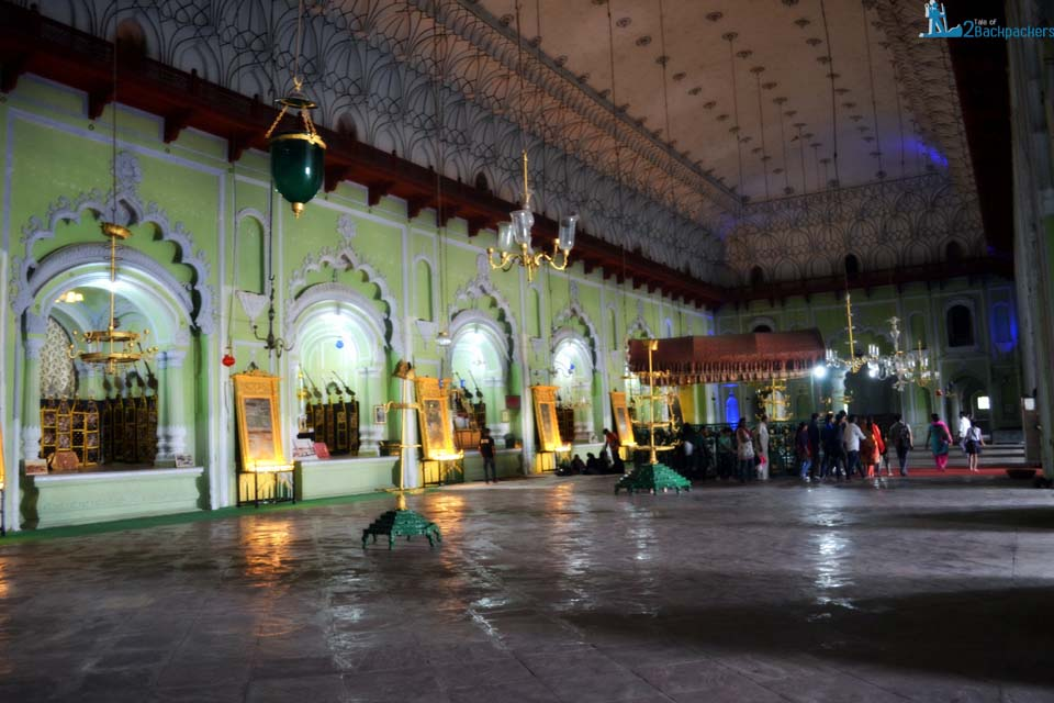 Inside the central hall of Bara Imambara where the grave of Nawab Asaf-ud-daula and the architect lies