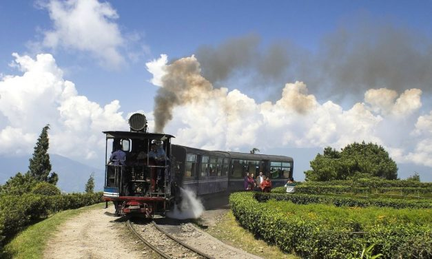 Darjeeling – Movies, Masti and Magic