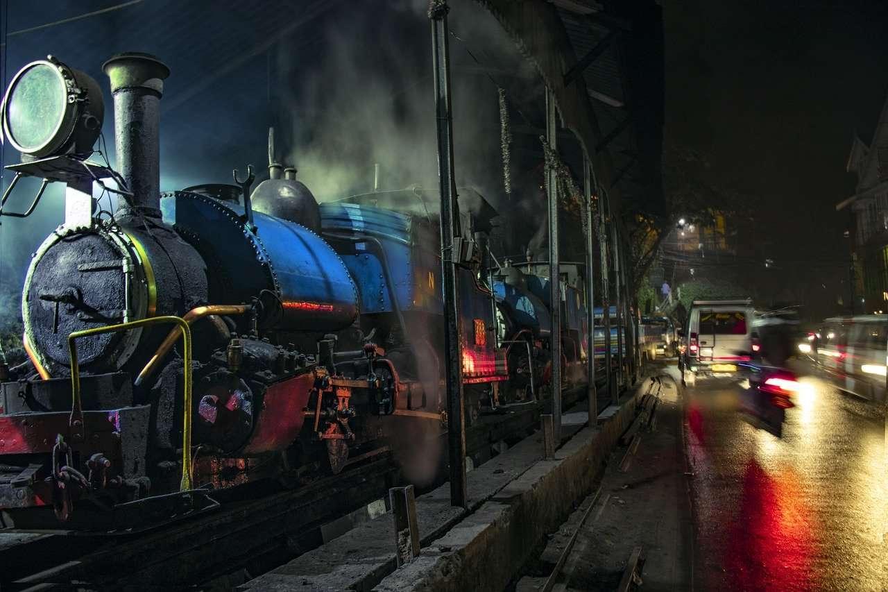 Darjeeling Toy Train - Things to do in Darjeeling