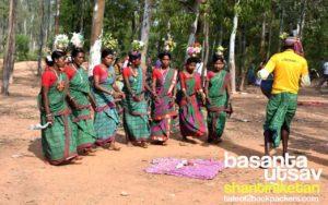 Jhumur dance performance at Khoai, Shantiniketan