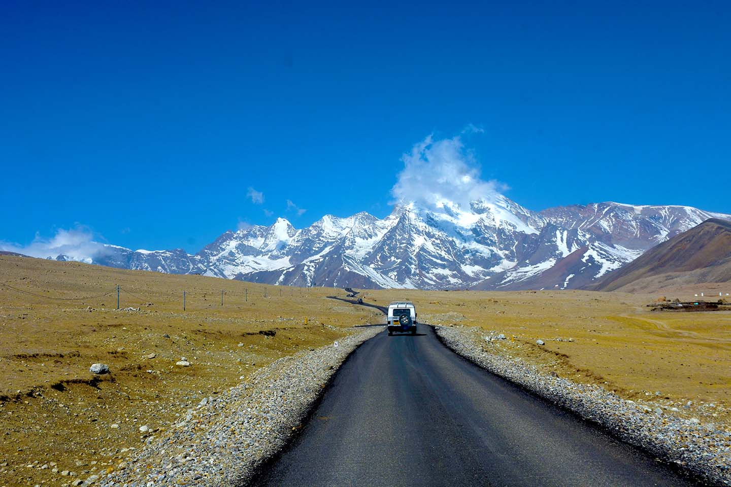 Roads on the way to Gurudongmar Lake, North Sikkim
