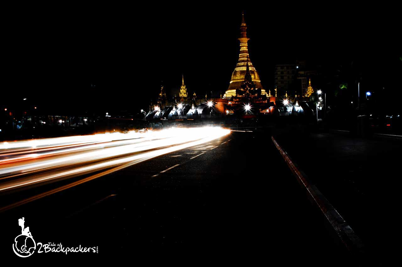 Night view of the Sule Pagoda in Yangon