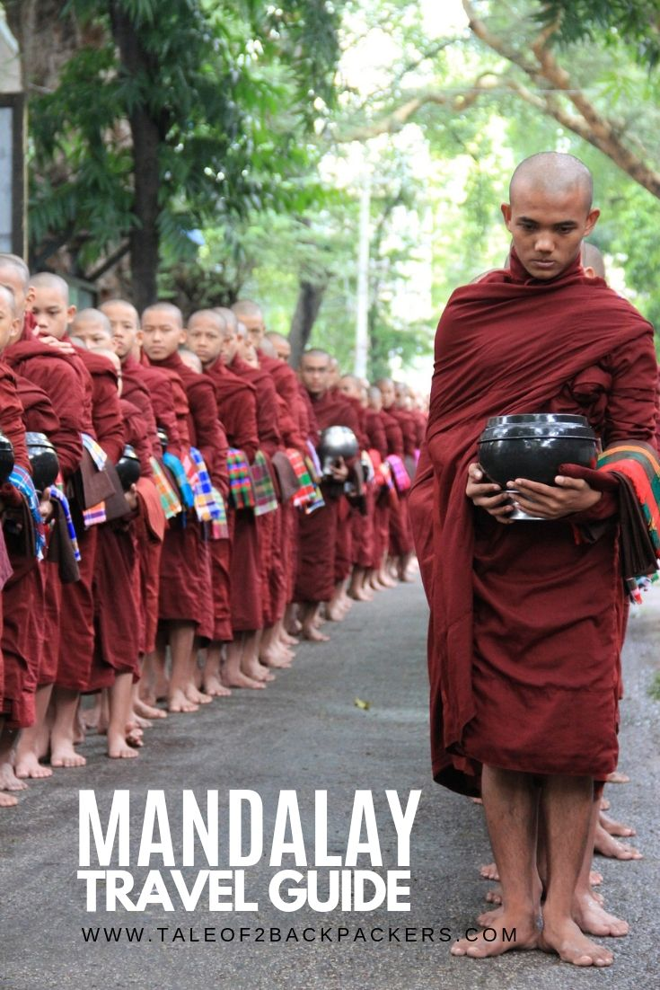 Monks asking for alms at Amarapura in Mandalay_Things to do in Mandalay