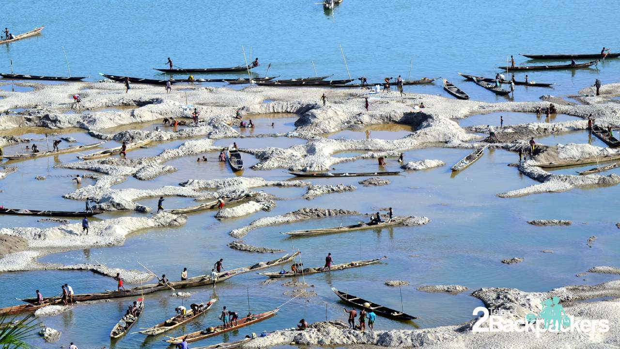 The country boats at Dawki - Dawki is the India-Bengladesh border