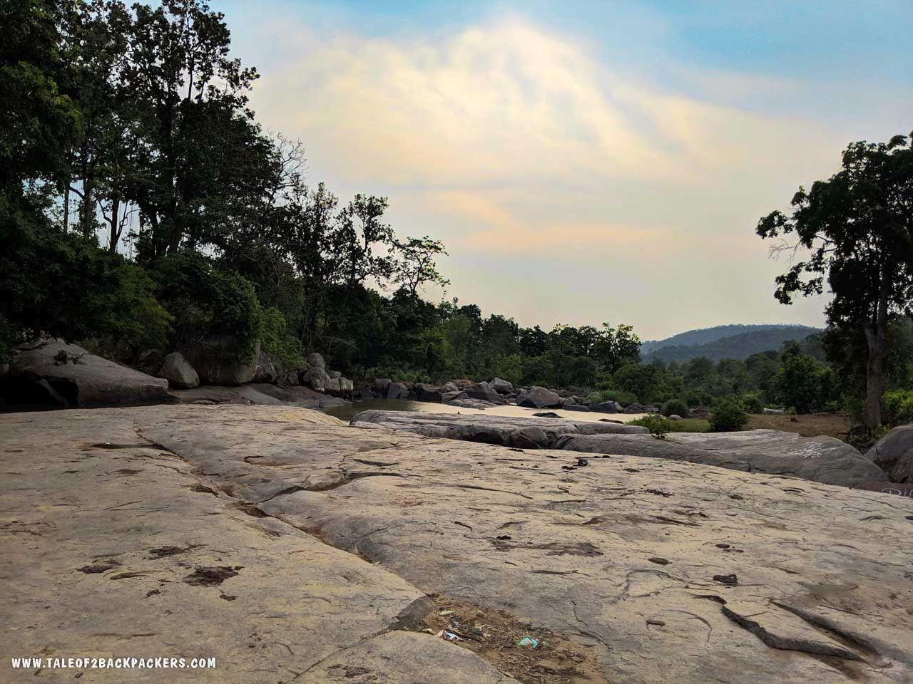 Lovers' Point - sightseeing at Daringbadi tour