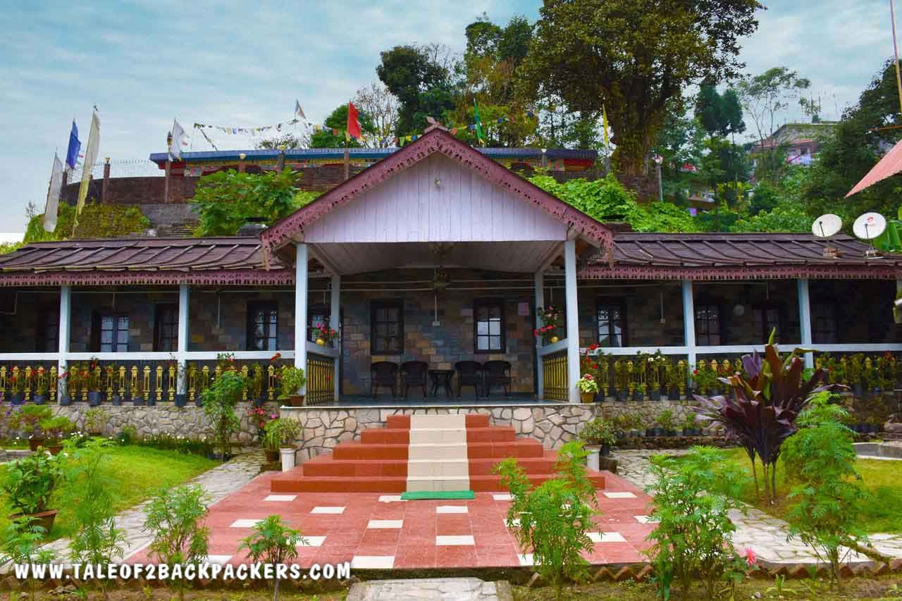 Saino Heritage Guesthouse is a heritage bungalow in Takdah