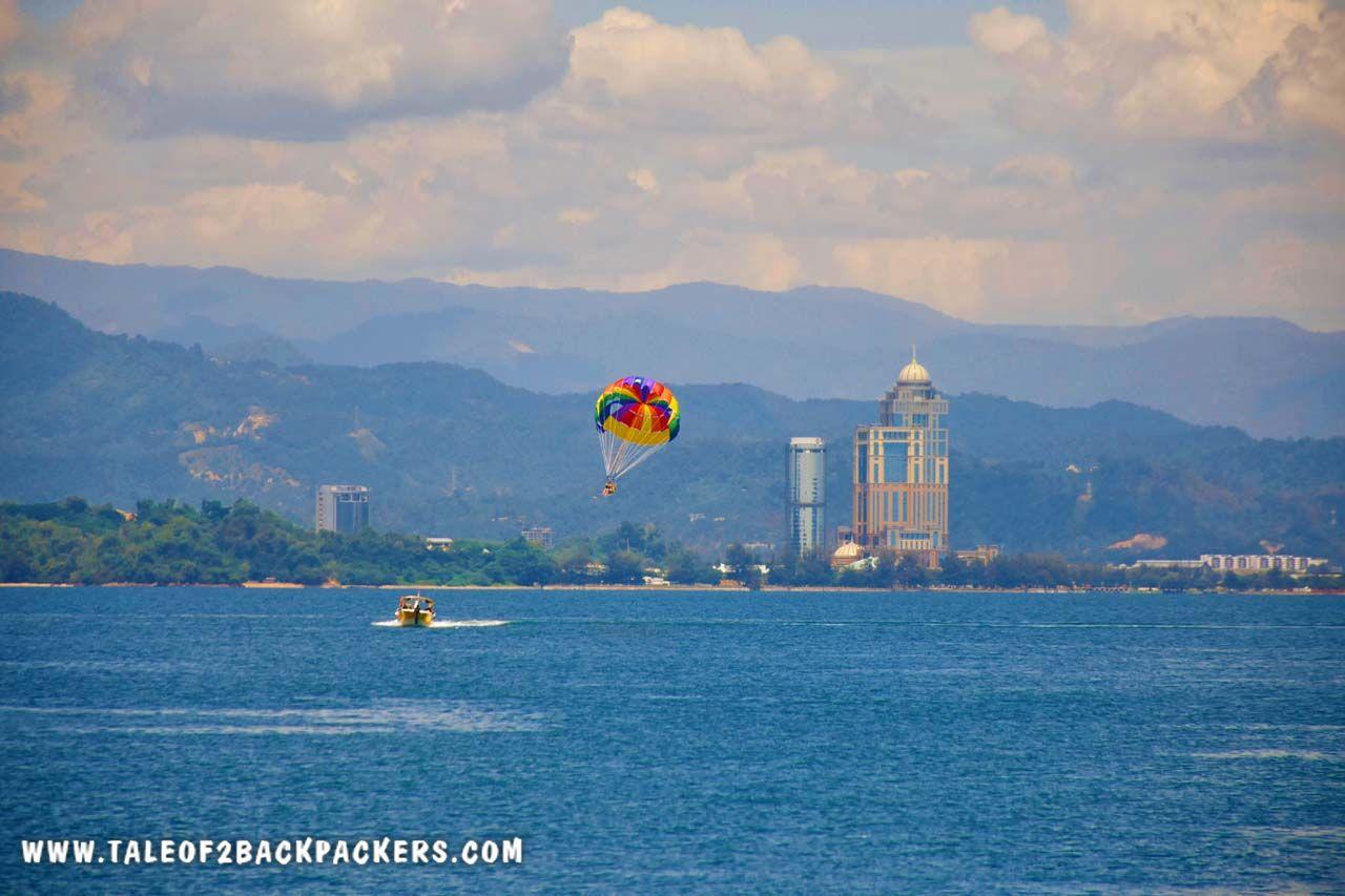 parasailing at seppangar island in Sabah