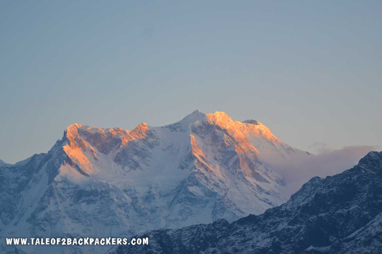 Sunrise over Chaukhamna range at Chandrashila trek