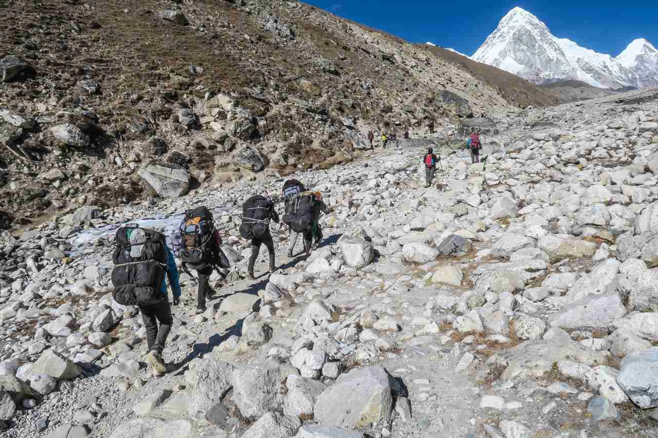 Guides and Porters in Nepal trekking