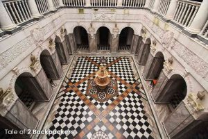 Central Courtyard with marble fountain at Bari Kothi - Heritage hotel in India