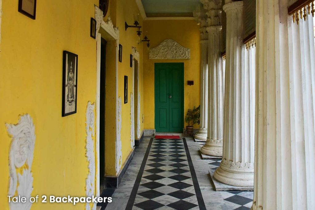 Corridors and columns at Barikothi - Heritage hotel in India