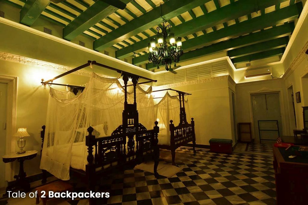 Emerald Kamra - Heritage Room at Bari Kothi, Azimgunj - Rajbari in West Bengal
