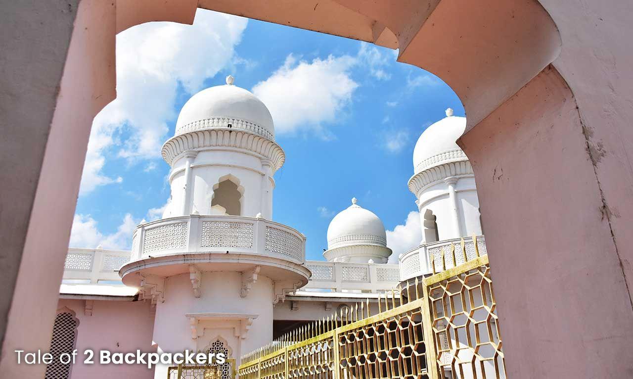 Architecture of Neermahal has both Hindu & Mughal styles