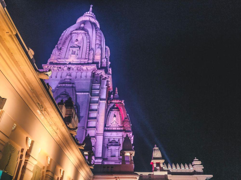 Famous Temples in India - Kashi Vishwanath Temple Varanasi