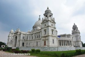 visit the touristy places in a city - Victoria Memorial in Kolkata