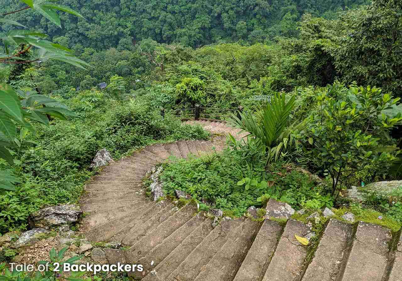 3500 stairs leading to Nongriat