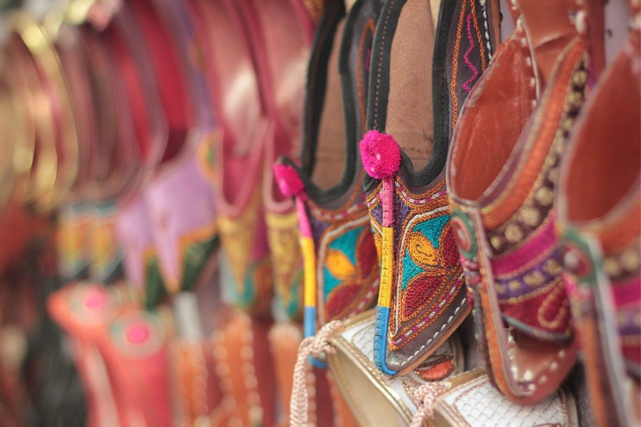 Ethnic Indian shoes - things to buy in India