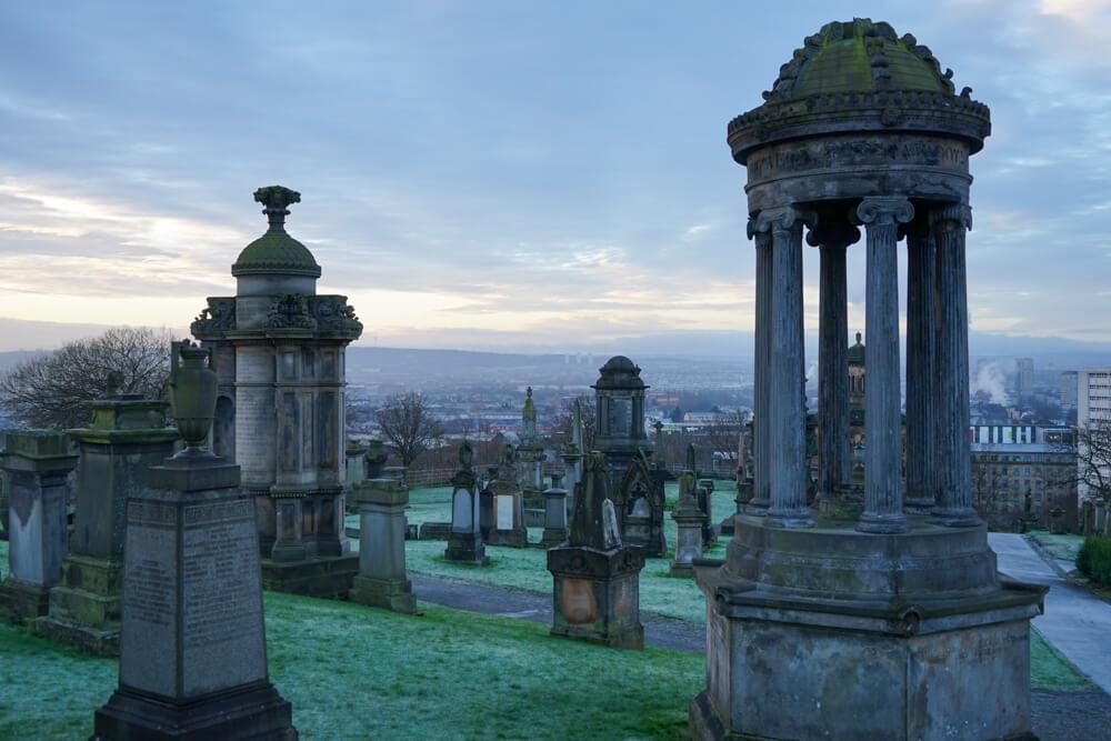 Glasgow Necropolis - Travel Guide