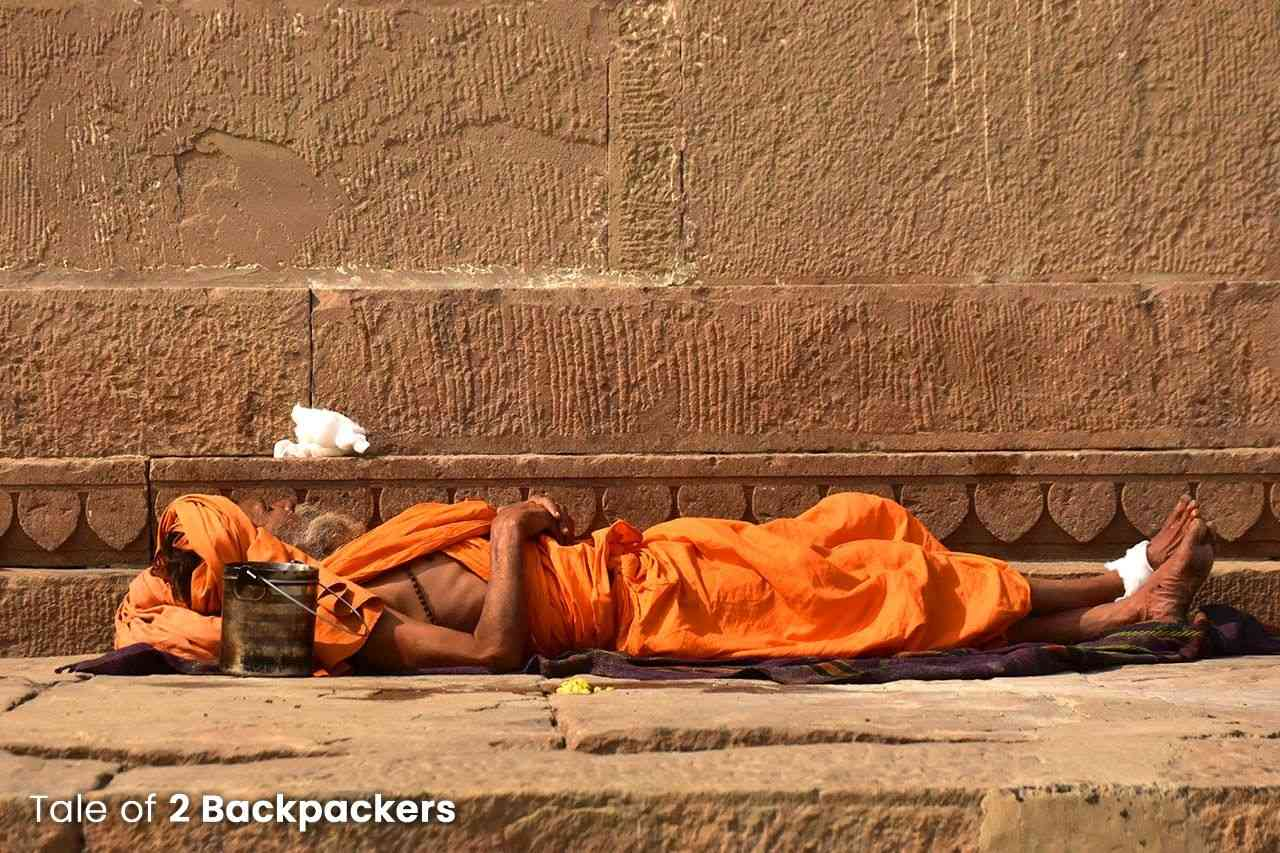 A Sadhy sleeping in the Ghats of Varanasi