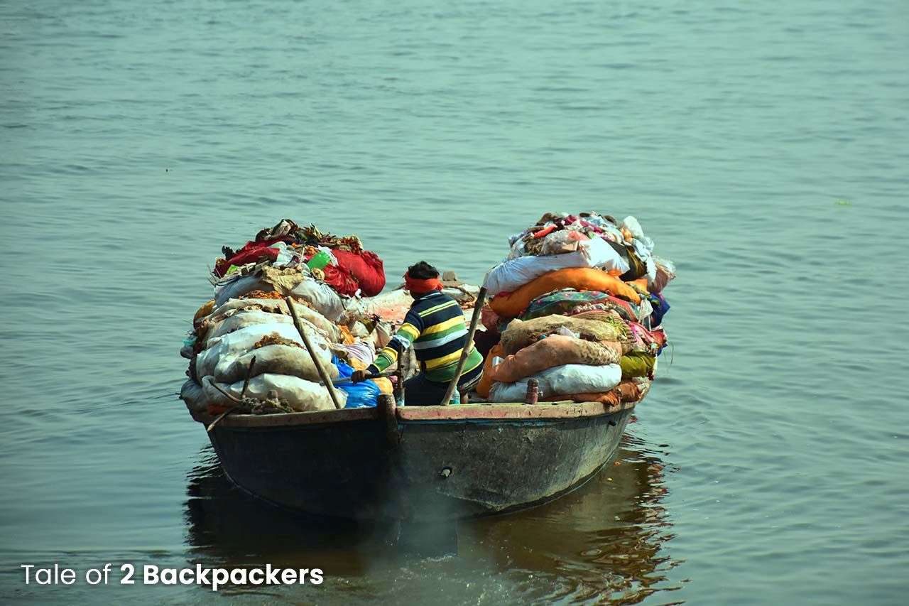 Taking the garbage away from the ghats in Varanasi