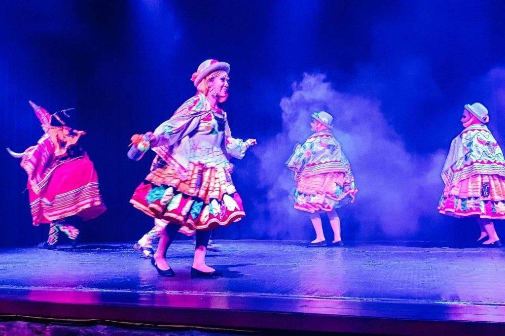 Enjoy the Origenes show at Sucre, Bolivia