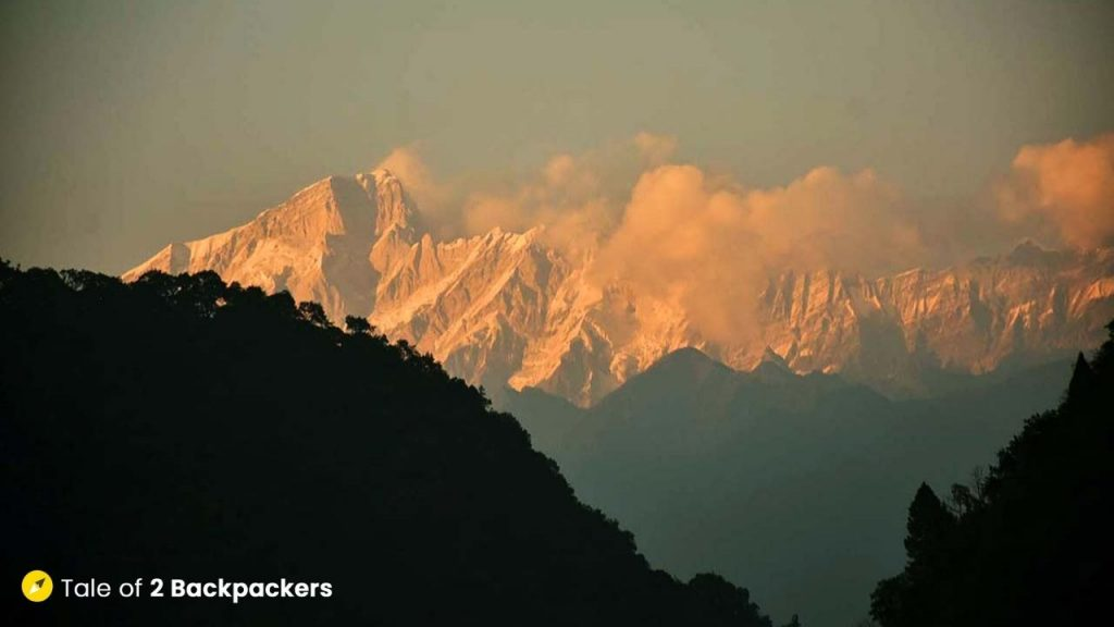 Snow covered peaks on the way to Kedarnath Yatra