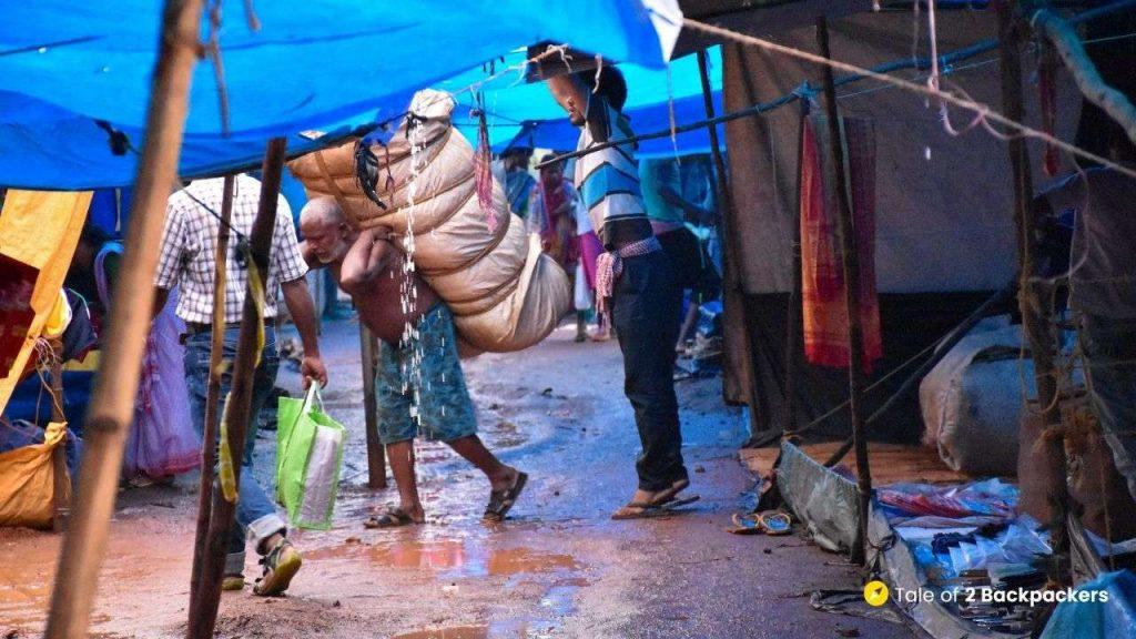 Bisoi Haat weekly market near Bangriposi