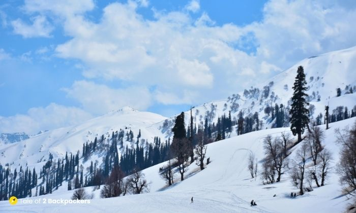 Snow at Gulmarg - is Kashmir safe for tourists