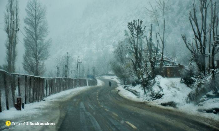 Snowy road towards Naranag
